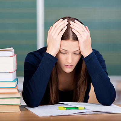 Coaching bei Prüfungsangst und Lernblockaden Bild Pruefungsangst_Lernblockade_Schuelerin