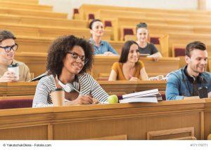 Karriere-Blog News rund um Studium und Beruf Bild Fachhochschule_oder_Universitaet-300x214