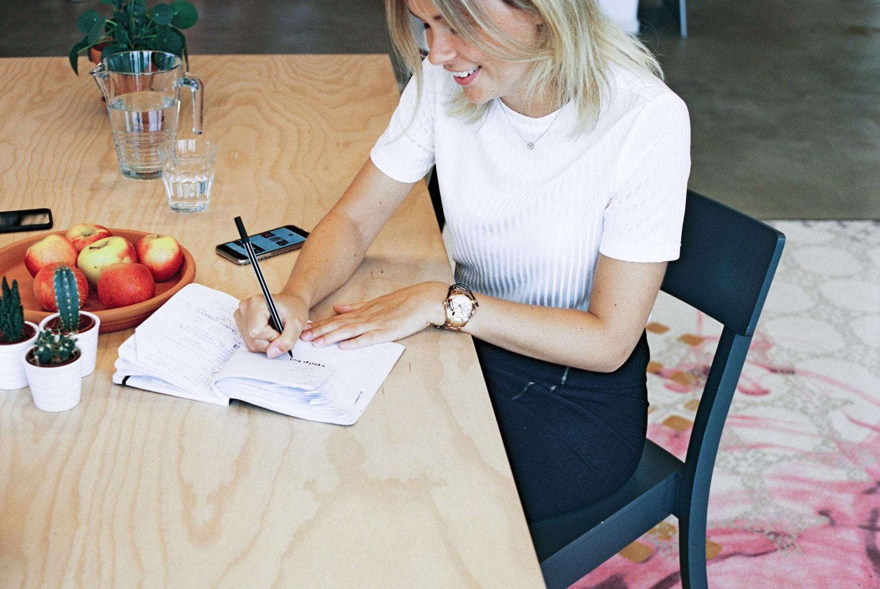 Jobben im Studium - Wie finde ich einen guten Studentenjob? Bild Werken-in-de-webcare_22-min